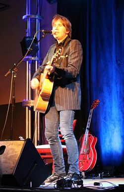 Justin Currie performs in Nashville